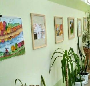 Выставка детских работ «Осенний город Кирово-Чепецк» в МАДОУ детском саду «Надежда»