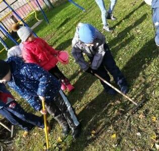 Экологический субботник «Зеленая Россия» в МАДОУ детском саду «Надежда»
